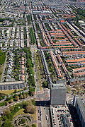 Nederland, Zuid-Holland, Den Haag, 12-05-2009; Laan van Meerdervoort, gezien naar het centrum (Noordoosten), overzicht van de Vruchtenbuurt in stadsdeel Segbroek..Swart collectie, luchtfoto (toeslag); Swart Collection, aerial photo (additional fee required).foto Siebe Swart / photo Siebe Swart