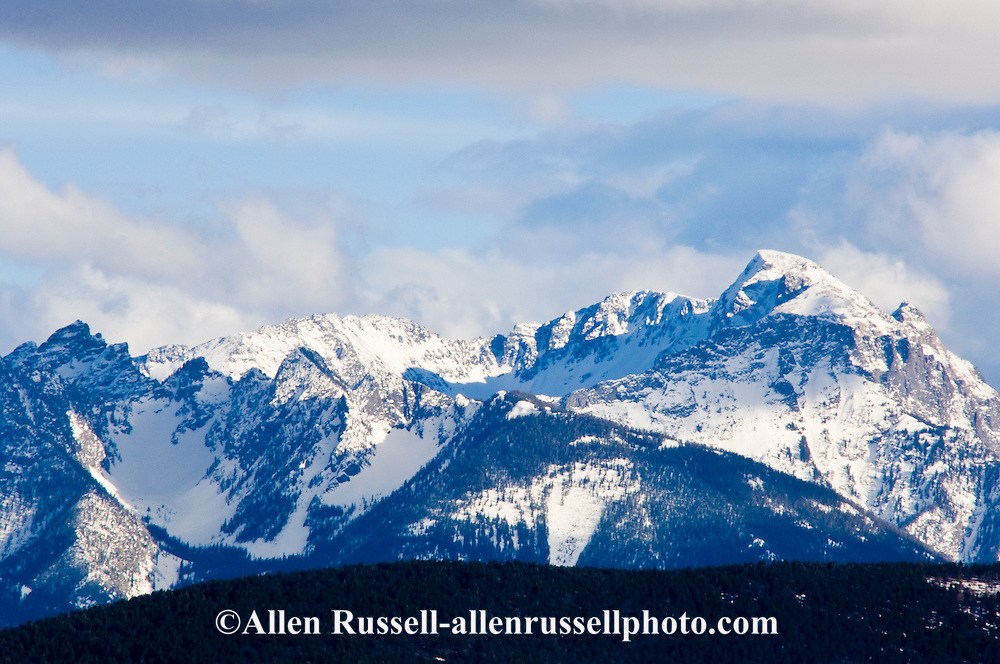 Absaroka Mountain Range, south of Livingston Montana shot from the west. Absaroka Beartooth Wilderness, Gallatin National Forest
