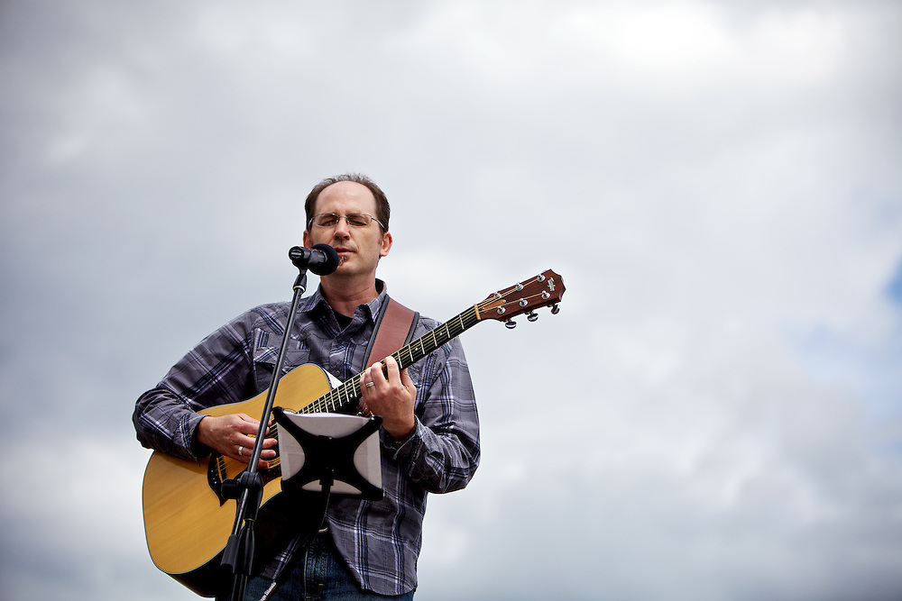 Andy Day performs at a ceremony Thursday, June 30, 2011 for the Union Gospel Mission in Coeur d'Alene.