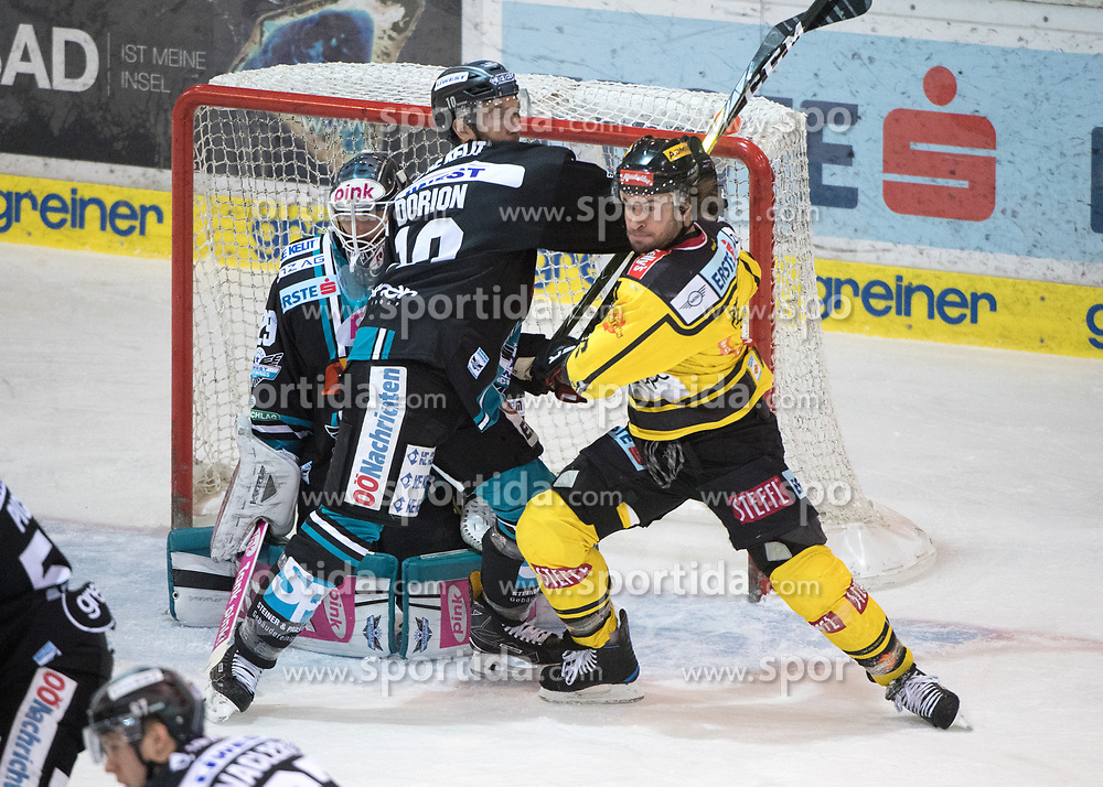 11.02.2018, Keine Sorgen Eisarena, Linz, AUT, EBEL, EHC Liwest Black Wings Linz vs Vienna Capitals, Platzierungsrunde, im Bild Marc-Andre Dorion (EHC Liwest Black Wings Linz) und Rafael Rotter (Vienna Capitals) // during the Erste Bank Icehockey League placement round between EHC Liwest Black Wings Linz and Vienna Capitals at the Keine Sorgen Icearena, Linz, Austria on 2018/02/11. © 2018, PhotoCredit: EXPA/ Reinhard Eisenbauer
