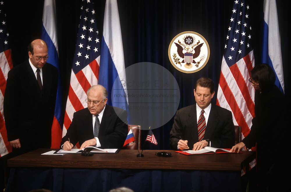 US Vice President Al Gore sign an agreement with Russian Prime Minister Viktor Chernomyrdin February 7, 1997 In Washington, DC.