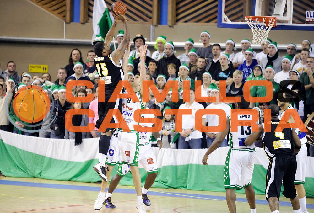 DESCRIZIONE : Championnat de France Basket Ligue Pro B  Reportage Le Portel Boulogne<br /> GIOCATORE : Monroe Darryl<br /> SQUADRA : Boulogne<br /> EVENTO : Ligue Pro B 2010-2011 <br /> GARA : Le Portel Boulogne<br /> DATA : 17/12/2010<br /> CATEGORIA : Basketbal France Ligue Pro B<br /> SPORT : Basketball<br /> AUTORE : JF Molliere par Agenzia Ciamillo-Castoria <br /> Galleria : France Basket 2010-2011 Action<br /> Fotonotizia : Championnat de France Basket Ligue Pro B Le Portel &agrave; Boulogne<br /> Predefinita :
