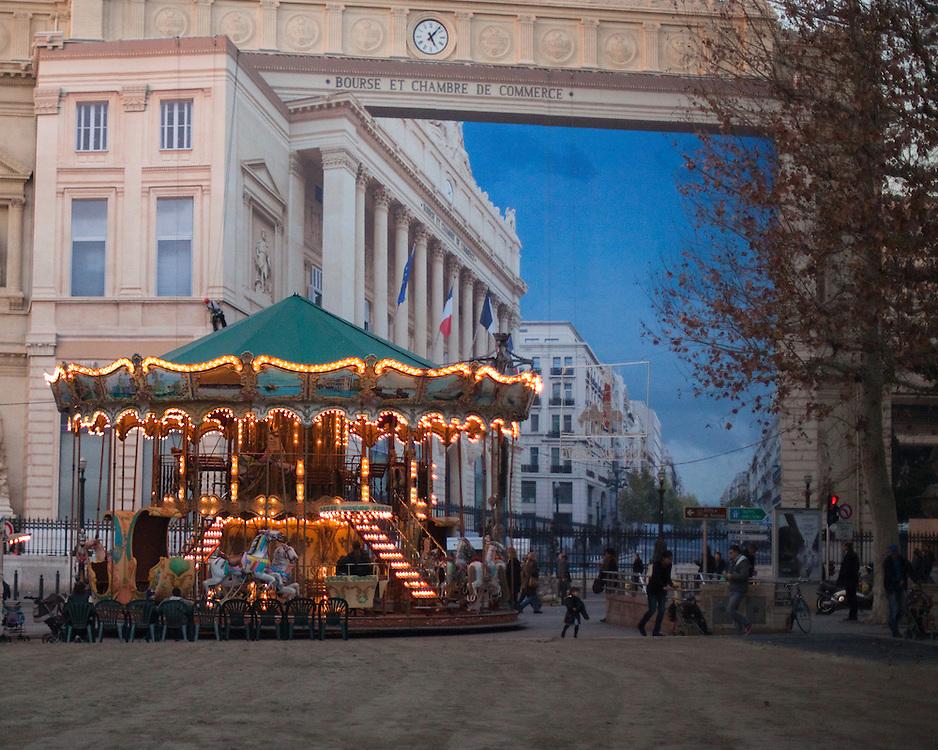 Trompe-l'oeil sur la façade du Palais de la Bourse.