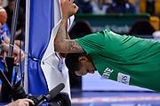 DESCRIZIONE : Beko Legabasket Serie A 2015- 2016 Dinamo Banco di Sardegna Sassari - Sidigas Scandone Avellino<br /> GIOCATORE : James Nunnally<br /> CATEGORIA : Before Pregame Stretching Ritratto<br /> SQUADRA : Sidigas Scandone Avellino<br /> EVENTO : Beko Legabasket Serie A 2015-2016<br /> GARA : Dinamo Banco di Sardegna Sassari - Sidigas Scandone Avellino<br /> DATA : 28/02/2016<br /> SPORT : Pallacanestro <br /> AUTORE : Agenzia Ciamillo-Castoria/L.Canu