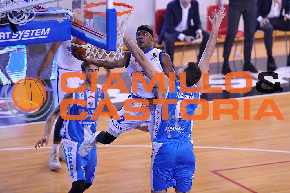 Lee Moore<br /> Germani Leonessa Basket Brescia - Banco di Sardegna Dinamo Sassari<br /> LegaBasket Serie A 2017/2018<br /> Montichiari, 09/12/2017<br /> Foto M.Ceretti / Ciamillo-Castoria