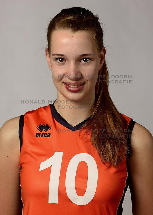 07-04-2014 NED: SELECTIE JONG ORANJE: ARNHEM<br /> Volleybalteam Jong Oranje / Nicole Oude Luttikhuis<br /> &copy;2014-FotoHoogendoorn.nl