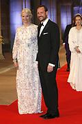 Afscheidsdiner Koningin Beatrix in Rijksmuseum. Het afscheidsdiner wordt gehouden in de Eregalerij van het 2 weken geleden door de koningin heropende museum. <br /> <br /> Farewell Dinner Queen Beatrix at Rijksmuseum. The farewell dinner will be held in the Hall of Fame of two weeks ago reopened by the Queen museum.<br /> <br /> Op de foto / On the Photo:  Kroonprins Haakon en Kroonprinses Mette-Marit van Noorwegen / Crown Prince Haakon and Crown Princess Mette-Marit of Norway