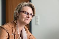 12 APR 2019, BERLIN/GERMANY:<br /> Anja Karliczek, CDU, Bundesministerin fuer Forschung und Bildung, waehrend einem Interview, in ihrem Buero, Bundesministerium fuer Forschung un Bildung<br /> IMAGE: 20190412-01-012<br /> KEYWORDS: B&uuml;ro