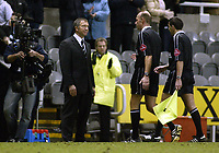 Fotball<br /> Premier League 2004/05<br /> Newcastle v Arsenal<br /> 29. desember 2004<br /> Foto: Digitalsport<br /> NORWAY ONLY<br /> Newcastle United's manager Graeme Souness is clearly unhappy with referee Steve Bennett at full time