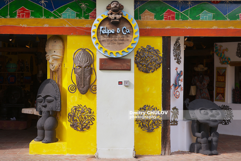SANTO DOMINGO, DOMINICAN REPUBLIC - NOVEMBER 08, 2012: Exterior of a souvenir shop in Santo Domingo, Dominican Republic.