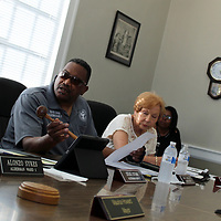 Ward 3 Alderman David Ewing leads last week's meeting, as Mayor Maurice Howard was not present and vice mayor Alonzo Sykes was unable to attend.