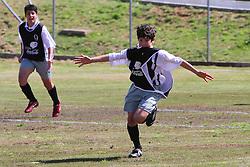 Caixas do Sul, 03/09/2011 - Lance da partida entre as equipes do Projeto Caxias Olimpico e Atletico-RS, válida pela Copa Coca-Cola, no campo do Complexo Esportivo Zona Norte, em Caxias do Sul. FOTO: Lucas Uebel/Preview.com