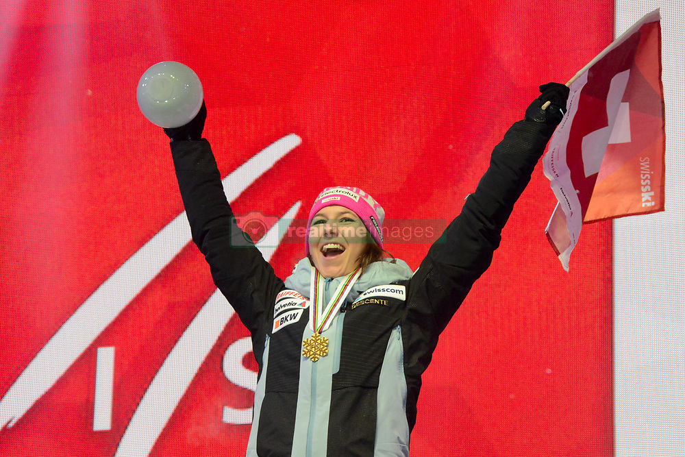 February 8, 2019 - Are, Sweden - WENDY HOLDENER of Switzerland with her medal for winning the Ladies Alpine Combined ski race at the FIS Alpine World Ski Championships in Are Sweden. (Credit Image: © Christopher Levy/ZUMA Wire)
