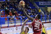 DESCRIZIONE : Porto San Giorgio Lega serie A 2013/14  Sutor Montegranaro Varese<br /> GIOCATORE : Franklin Hassell<br /> CATEGORIA : tiro sottomano<br /> SQUADRA : Pallacanestro Varese<br /> EVENTO : Campionato Lega Serie A 2013-2014<br /> GARA : Sutor Montegranaro Pallacanestro Varese<br /> DATA : 23/11/2013<br /> SPORT : Pallacanestro<br /> AUTORE : Agenzia Ciamillo-Castoria/M.Greco<br /> Galleria : Lega Seria A 2013-2014<br /> Fotonotizia : Porto San Giorgio  Lega serie A 2013/14 Sutor Montegranaro Varese<br /> Predefinita :