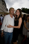 SIMON MOTSON AND HIS WIFE ANNA WALTON, Film 4 Summer Screen at Somerset House. guillermo del Toro's Hellboy 11: The Golden Army. 31 July 2008. *** Local Caption *** -DO NOT ARCHIVE-© Copyright Photograph by Dafydd Jones. 248 Clapham Rd. London SW9 0PZ. Tel 0207 820 0771. www.dafjones.com.