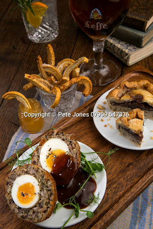 Castle Brewery;;<br /> Champion Pub,<br /> Notting Hill, London;<br /> 14th March 2017<br /> <br /> © Pete Jones<br /> pete@pjproductions.co.uk