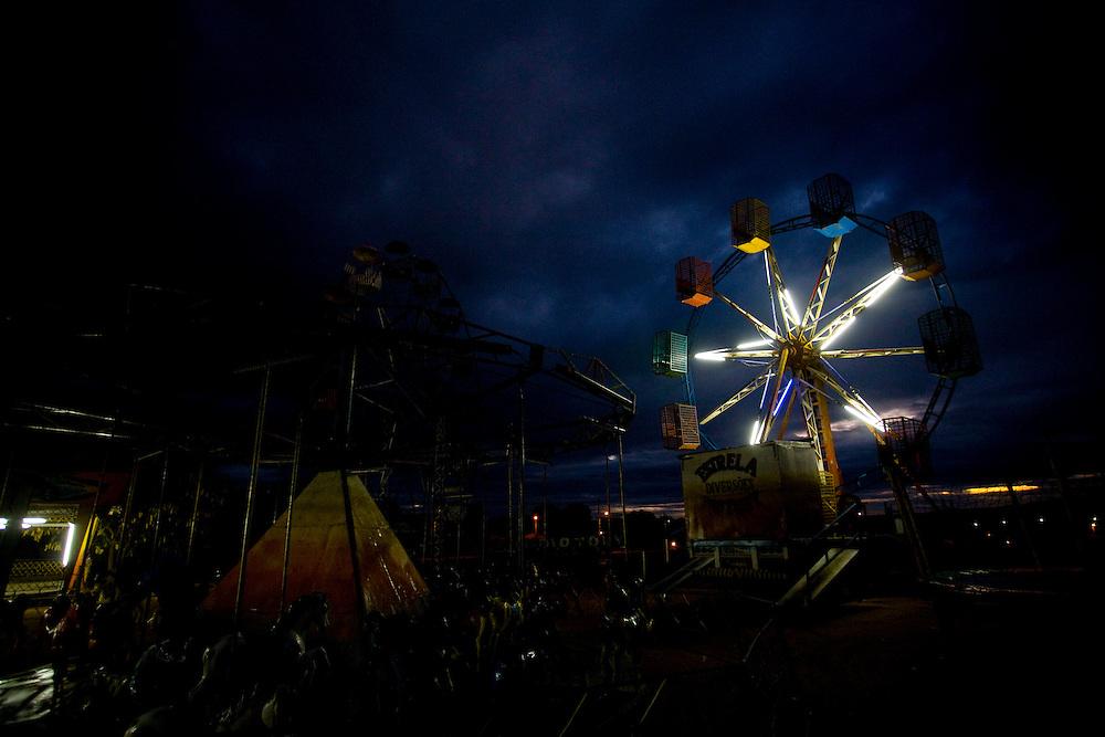 Aracuai_MG, Brazil.<br /> <br /> Parque de diversoes em Aracuai, Minas Gerais.<br /> <br /> Amusement park in Aracuai, Minas Gerais.<br /> <br /> Foto: LEO DRUMOND / NITRO