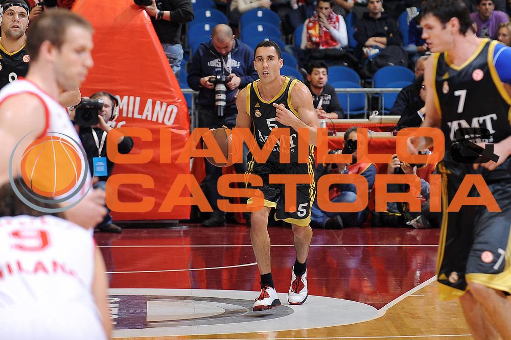 DESCRIZIONE : Milano Eurolega 2009-10 Armani Jeans Milano Real Madrid<br /> GIOCATORE : Pablo Prigioni<br /> SQUADRA : Real Madrid<br /> EVENTO : Eurolega 2009-2010<br /> GARA : Armani Jeans Milano Real Madrid<br /> DATA : 13/01/2010 <br /> CATEGORIA : palleggio<br /> SPORT : Pallacanestro <br /> AUTORE : Agenzia Ciamillo-Castoria/A.Dealberto<br /> Galleria : Eurolega 2009-2010 <br /> Fotonotizia : Milano Eurolega 2009-10 Armani Jeans Milano Real Madrid<br /> Predefinita :