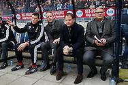 06-03-2016 VOETBAL:WILLEM II-AJAX:TILBURG <br /> De bank van Ajax met Dennis Bergkamp, Ajax trainer/Coach Frank de Boer en Hennie Spijkerman<br /> <br /> Foto: Geert van Erven