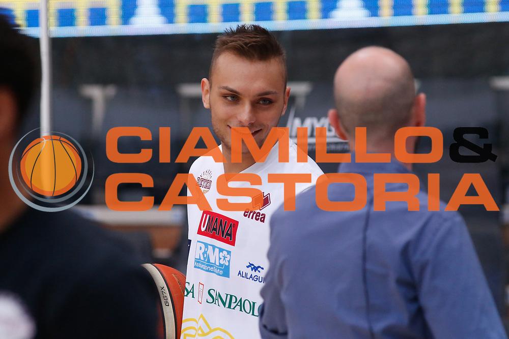 Stefano Tonut<br /> Dolomiti Energia Aquila Basket Trento - Umana Reyer Venezia <br /> Lega Basket Serie A 2016/17 Finali Gara 03<br /> Trento, 14/06/2017<br /> Foto Ciamillo-Castoria / M. Brondi
