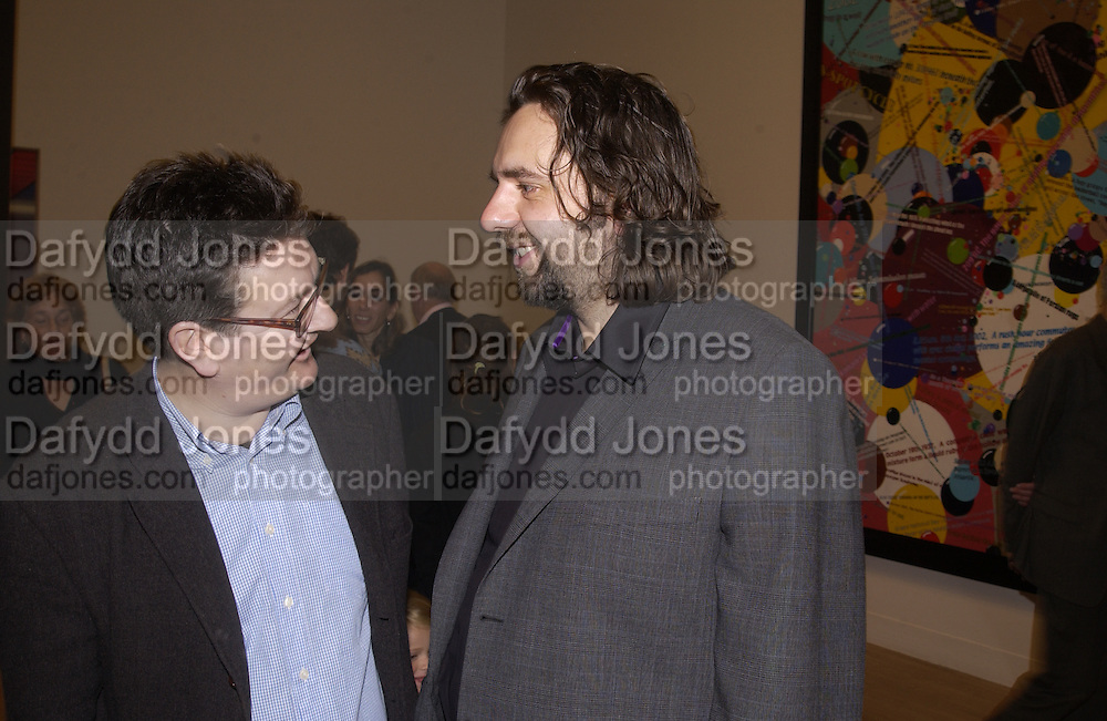 Mark Wallinger and Keith Tyson. Private view of the Turner prize exhibition. Tate Classic. 29 October 2002. © Copyright Photograph by Dafydd Jones 66 Stockwell Park Rd. London SW9 0DA Tel 020 7733 0108 www.dafjones.com