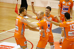 20141029 BEL: Eredivisie, Callant Antwerpen - Volley Behappy2 Asse - Lennik: Antwerpen<br />Robin Overbeeke (11) of Volley behappy2 Asse - Lennik, Jasper Diefenbach (10) of Volley behappy2 Asse - Lennik, Robbert Andringa (6) of Volley behappy2 Asse - Lennik<br />©2014-FotoHoogendoorn.nl / Pim Waslander