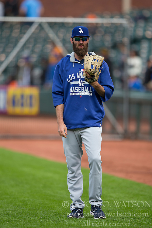 SAN FRANCISCO, CA - MAY 20:  Scott Van Slyke #33 of the Los Angeles Dodgers looks on during batting practice before the game against the San Francisco Giants at AT&T Park on May 20, 2015 in San Francisco, California.  The San Francisco Giants defeated the Los Angeles Dodgers 4-0. (Photo by Jason O. Watson/Getty Images) *** Local Caption *** Scott Van Slyke
