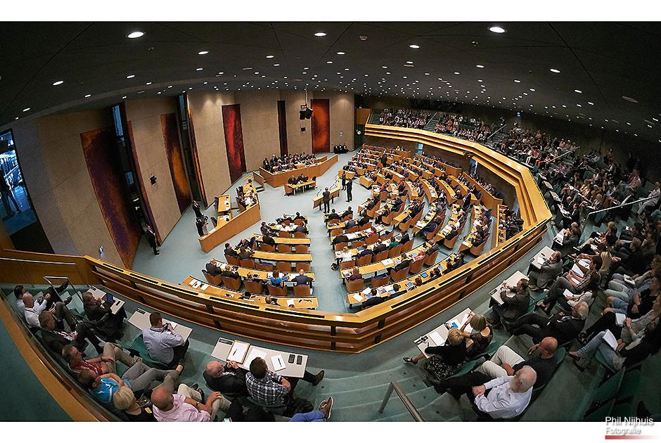 Den Haag 18 september 2014 - Premier Mark Rutte tijdens de tweede dag van de Algemene Politieke Beschouwingen in de Tweede Kamer. <br /> Foto: Phil Nijhuis