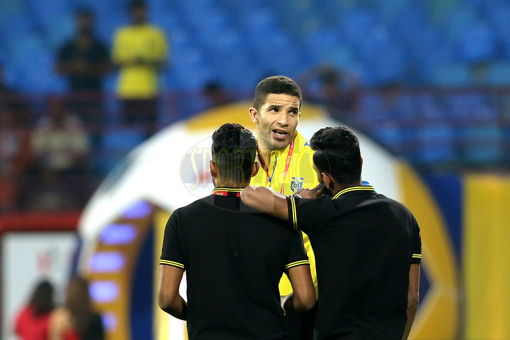 Kerala Blasters FC coach David James arrive on the ground before the start of the match 38 of the Hero Indian Super League between Kerala Blasters FC and FC Pune City  held at the Jawaharlal Nehru Stadium,Kochi India on the 4th January 2018<br /> <br /> Photo by: Vipin Pawar  / ISL / SPORTZPICS