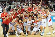 DESCRIZIONE : Riga Latvia Lettonia Eurobasket Women 2009 Final 3rd-4th Place Spagna Bielorussia Spain Belarus<br /> GIOCATORE : Team Spain<br /> SQUADRA : Spagna Spain<br /> EVENTO : Eurobasket Women 2009 Campionati Europei Donne 2009 <br /> GARA : Spagna Bielorussia Spain Belarus<br /> DATA : 20/06/2009 <br /> CATEGORIA : super esultanza <br /> SPORT : Pallacanestro <br /> AUTORE : Agenzia Ciamillo-Castoria/M.Marchi<br /> Galleria : Eurobasket Women 2009 <br /> Fotonotizia : Riga Latvia Lettonia Eurobasket Women 2009 Final 3rd-4th Place Spagna Bielorussia Spain Belarus<br /> Predefinita : si