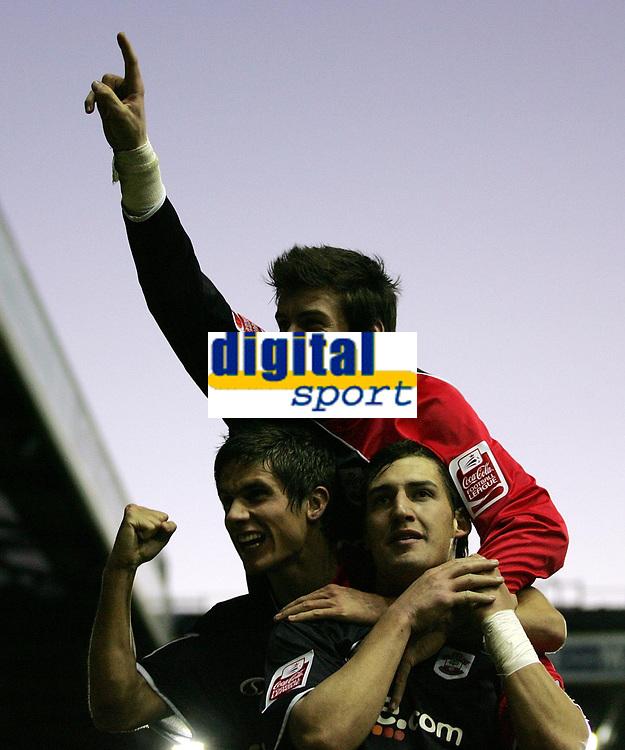Photo: Paul Thomas.<br /> Leeds United v Southampton. Coca Cola Championship. 18/11/2006.<br /> <br /> Southampton goal scorer Rudi Skacel (R) celebrates his goal with Gareth Bale (Top) and Andrew Surman (L).