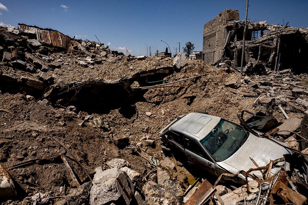 Destruction in the Al Thawra neighborhood of West Mosul. Mosul, Iraq. Apr. 19, 2017. (Photo by Gabriel Romero ©2017)