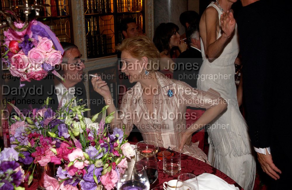 Carolina Herrera, Ball at Blenheim Palace in aid of the Red Cross, Woodstock, 26 June 2004. SUPPLIED FOR ONE-TIME USE ONLY-DO NOT ARCHIVE. © Copyright Photograph by Dafydd Jones 66 Stockwell Park Rd. London SW9 0DA Tel 020 7733 0108 www.dafjones.com