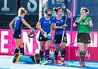 Londen - Chiara Tidi (It) vraagt video aan tijdens de cross over wedstrijd India-Italie (3-0) bij het WK Hockey 2018 in Londen . In  COPYRIGHT KOEN SUYK