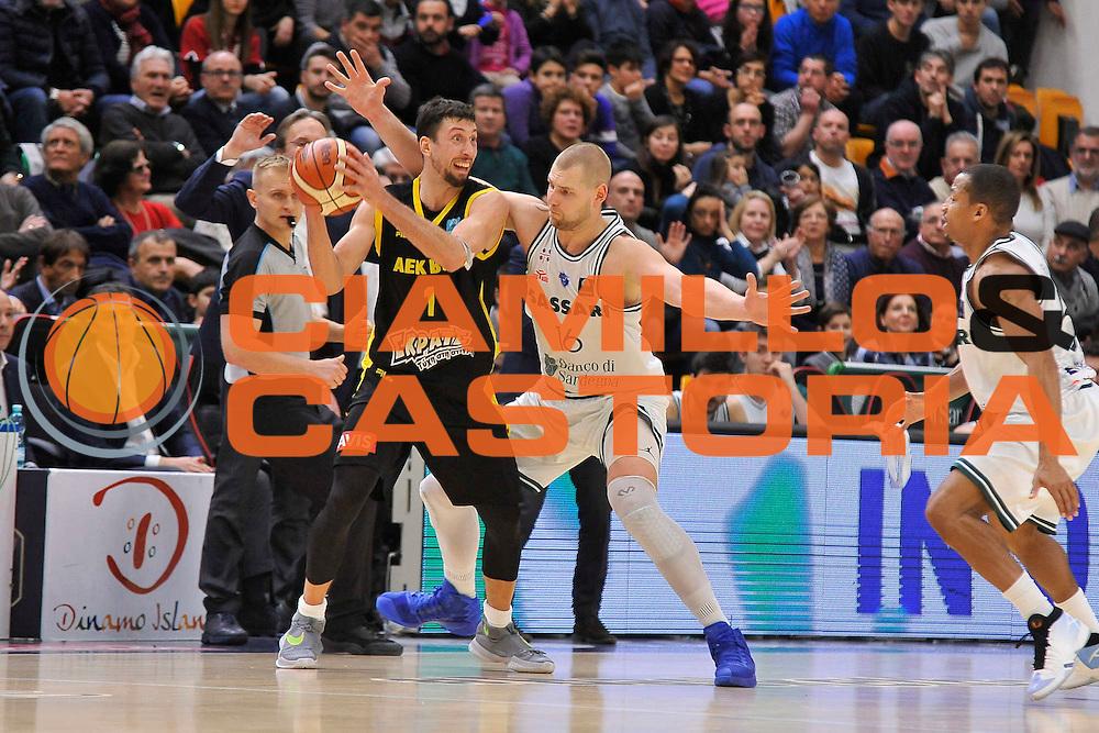 SASSARI 04 Gennaio 2017<br /> Banco di Sardegna Dinamo Sassari - AEK Atene<br /> NELLA FOTO Tautvydas Lydeka Roko-Leni Ukic<br /> FOTO CIAMILLO