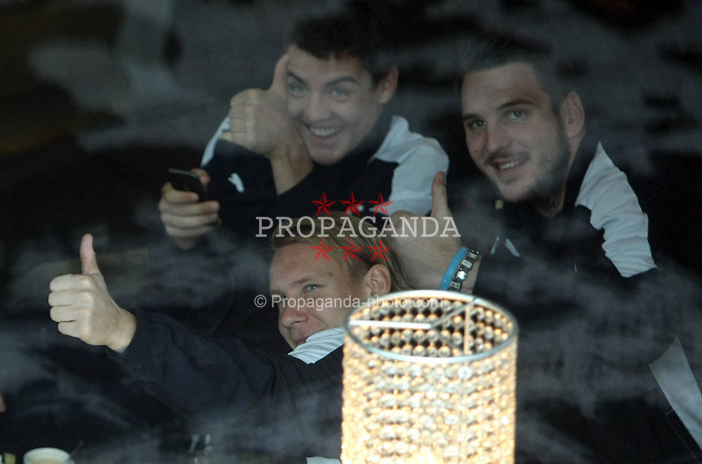 22.11.2011, Estadio Santiago Bernabéu, Madrid, ESP, UEFA CL, Gruppe D, Real Madrid (ESP) vs Dinamo Zagreb (CRO) im Bild Domagoj Vida, Mateo Kovacic and Ivan Kelava of Dinamo Zagreb relax in lobby of their hotel in Madrid on November 22, 2011. This evening FC Dinamo Zagreb will play 5th round of group D match of European Champions League against FC Real Madrid. EXPA Pictures © 2011, PhotoCredit: EXPA/ nph/ PIXSELL/ Sajin Strukic..***** ATTENTION - OUT OF GER, CRO *****
