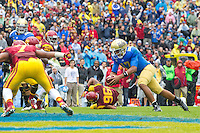 17 October 2012: Quarterback (17) Brett Hundley of the UCLA Bruins runs the ball for a touchdown against the USC Trojans during the second half of UCLA's 38-28 victory over USC at the Rose Bowl in Pasadena, CA.