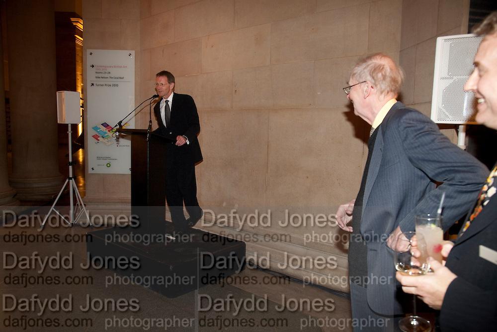 SIR NICHOLAS SEROTA; SIR NICHOLAS GOODISON, Archive 40 Reception. 40th Anniversary of the Tate archive. Tate Britain. Millbank. London. 25 October 2010. -DO NOT ARCHIVE-© Copyright Photograph by Dafydd Jones. 248 Clapham Rd. London SW9 0PZ. Tel 0207 820 0771. www.dafjones.com.