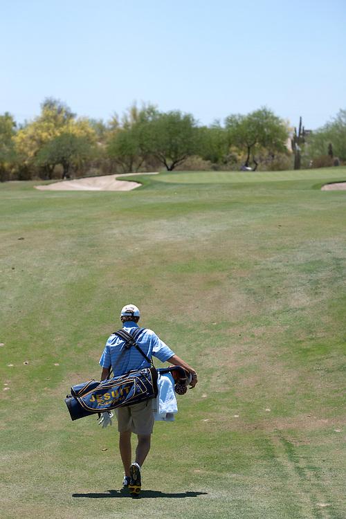 Their are no caddies on this tour. American Junior Golf Association player Jordan Spieth at the Thunderbird International Junior tournament.