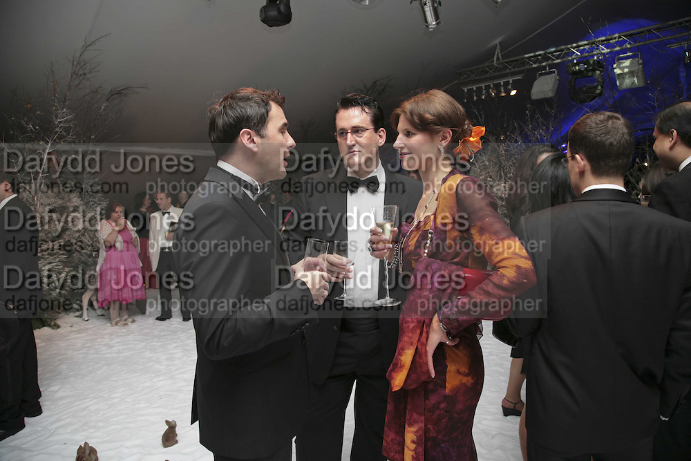 Austen Palmer, Andrew Bentley and Caroline Johnstone. British Red Cross Ball, Waterloo. London. 16 November 2006.  TIME USE ONLY - DO NOT ARCHIVE  © Copyright Photograph by Dafydd Jones 66 Stockwell Park Rd. London SW9 0DA Tel 020 7733 0108 www.dafjones.com