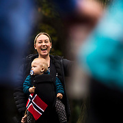 November 05, 2017 - New York, NY :  Marthe Kirk and one-year-old Edward, Kirk cheer on runners as they head south through Central Park on Manhattan's East Side during the 2017 TCS New York City Marathon on Sunday afternoon. <br /> CREDIT: Karsten Moran for The New York Times