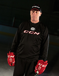 10.08.2015, Red Bull Akademie Liefering, Salzburg, AUT, EBEL, Medien Tag, im Bild Trainer Doug Mason (EC KAC) // during the Erste Bank Icehockey League Media Day at the Red Bull Football and Icehockey Academy Liefering in Salzburg, Austria on 2015/08/10. EXPA Pictures © 2015, PhotoCredit: EXPA/ JFK
