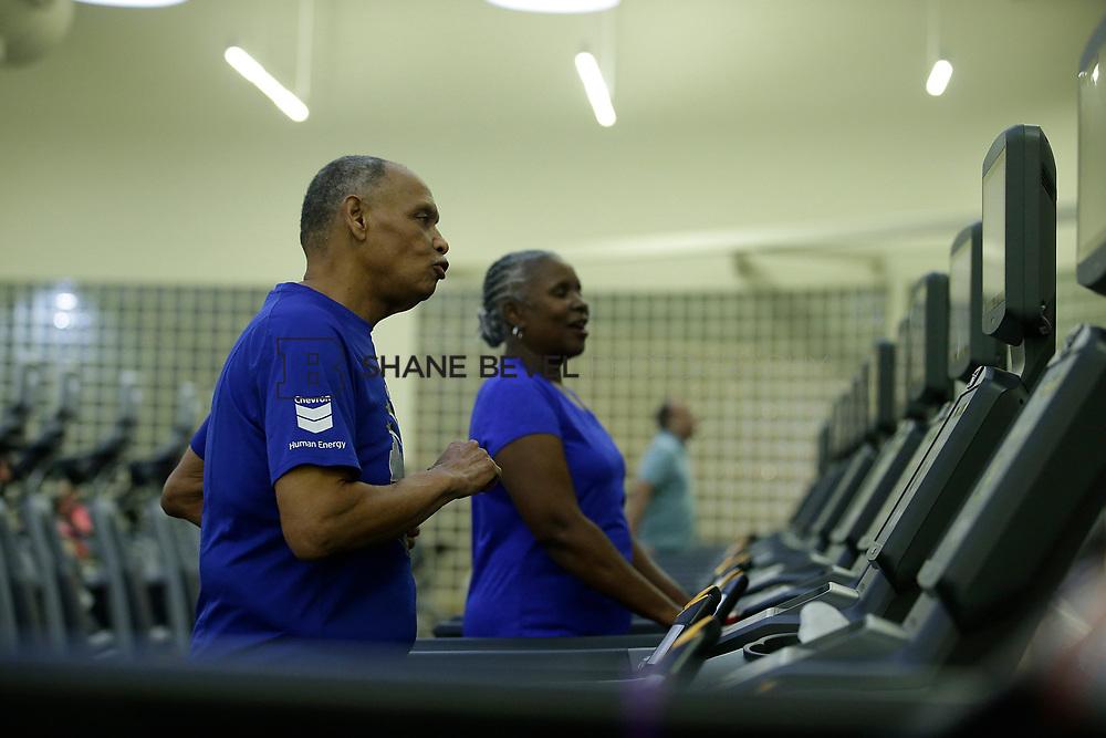 11/8/17 7:37:40 PM --  Charles and Shonda at Healthzone at SFHS. <br /> <br /> Photo by Shane Bevel