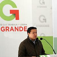 TOLUCA, Mex - Carlos Cadena de Montellano, secretario de Medio Ambiente durante la  firma de convenio entre SEMARNAT y GEM para otorgar cerca de mil millones de pesos para la conservacion y mejora del medio ambiente en la entidad mexiquense . Agencia MVT / Jose Hernandez.