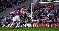 Photo. Glyn Thomas.<br /> Sunderland v West Ham United.<br /> Nationwide Division 1.<br /> Stadium of Light, Sunderland. 13/03/2004.<br /> Sunderland's Kevin Kyle (L) puts his side a goal in front.