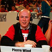 NLD/Hilversum/20100121 - Benefietactie voor het door een aardbeving getroffen Haiti, Pierre Wind