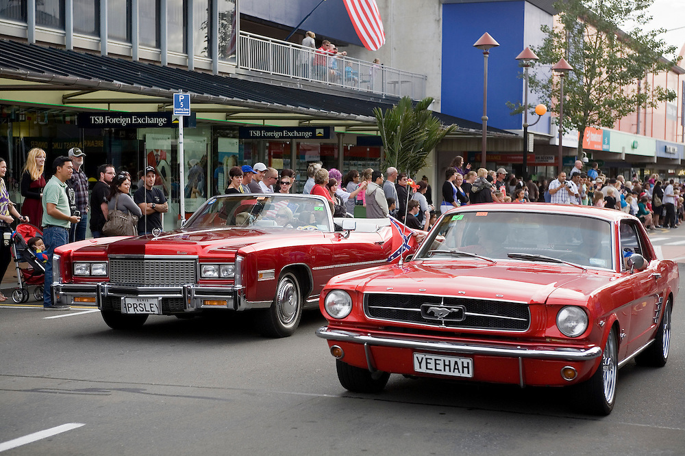 Crowds watch the Americarna street parade rumble through along Devon Street, New Plymouth, New Zealand, Friday, February 24, 2012. Credit: SNPA / Jane Dove Juneau