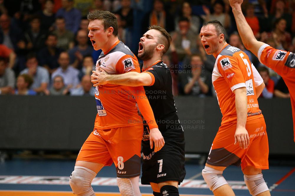 20160402 BEL: Volleybal: Volley Lindemans Asse Lennik - Noliko Maaseik, Zellik  <br />Seppe Baetens, Dirk Sparidans