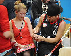 06.06.2013, Stechert Arena, Bamberg, GER, 1. BBL, 5. Playoff Halbfinale, Brose Baskets Bamberg vs FC Bayern Muenchen, im Bild Fussballer Bastian Schweinsteiger gibt in der Halbzeit Autogramme // during the 5th playoff semifinal match of germans 1st basketbal Bundesliga between Brose Baskets Bamberg and FC Bayern Munich ath the Stechert Arena, Bamberg, Germany on 2013/06/06. EXPA Pictures &copy; 2013, PhotoCredit: EXPA/ Eibner/ Hans Martin Issler<br /> <br /> ***** ATTENTION - OUT OF GER *****