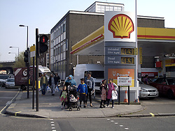 UK ENGLAND LONDON 30MAR12 - Queues form at a Shell petrol station after supplies run low due to panic buying by motorists in the past few days. Queues have formed at petrol stations as demand for fuel shot up after ministers called for people to top up in case of a tanker drivers' strike. The Petrol Retailers Association said ministers had been 'irresponsible' and were at fault for the panic buying..jre/Photo by Jiri Rezac..© Jiri Rezac 2012